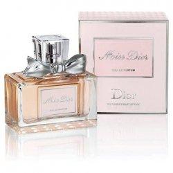 Christian Dior Miss Dior Eau De PARFUM 30MLMiss Dior è un chypre che procede per fasi. Un percorso che comincia con il